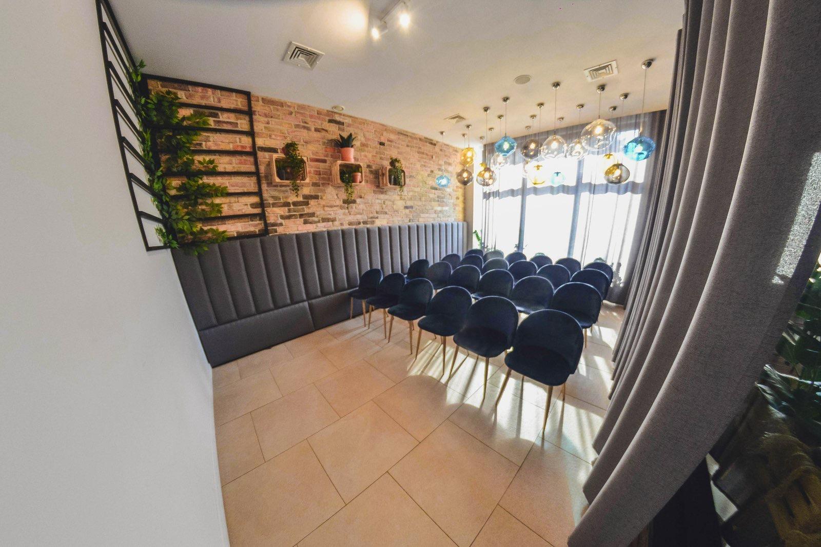 Sala szklana - ustawienie konferencyjne do 24 osób